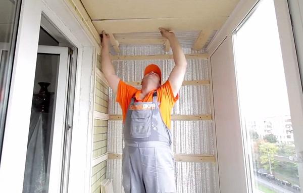 Чем утепляют балкон внутри своими руками