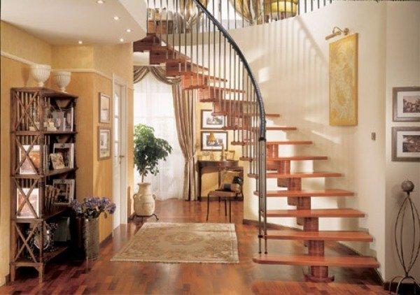 Сделать деревянную лестницу на второй этаж своими