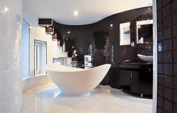 Ванная комната в чёрно-белом стиле