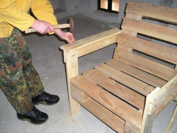 как сделать кресло из поддонов пошаговая инструкция - фото 5